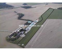Airfield to sell 120 km ouest of Paris